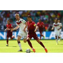 Cristiano Ronaldo cselezés közben