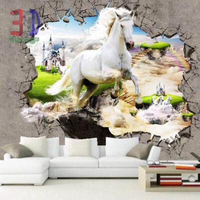Vágtázó fehér ló