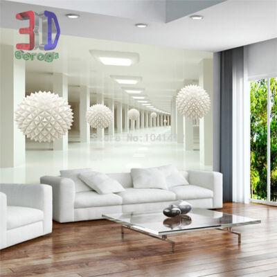 Fehér folyosó oszlopokkal