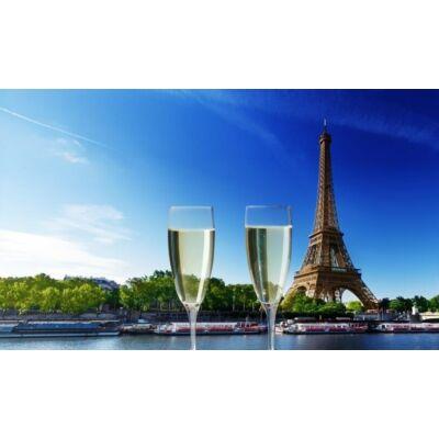 Koccintás az Eiffel toronnyal